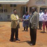 Remise des clés du véhicule tout terrain de I'Institut du Developpement Rural de Mbaiki-RCA